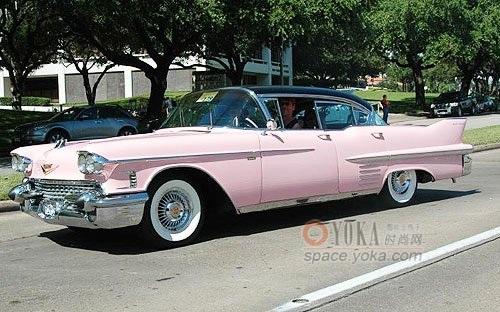 粉色凯迪拉克 高清图片